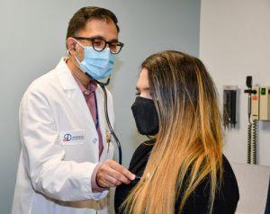 Dr Kahn treating patient