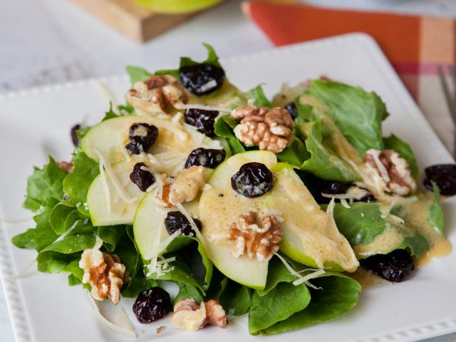 Escarole Salad with Apples